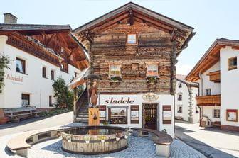 Patscheider Sport s'Ladele Geschäft, Tiroler Spezialitäten