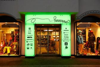 Peep Shop Serfaus, Snowboard, Freeski, Freeride, Streetstyle Fashion